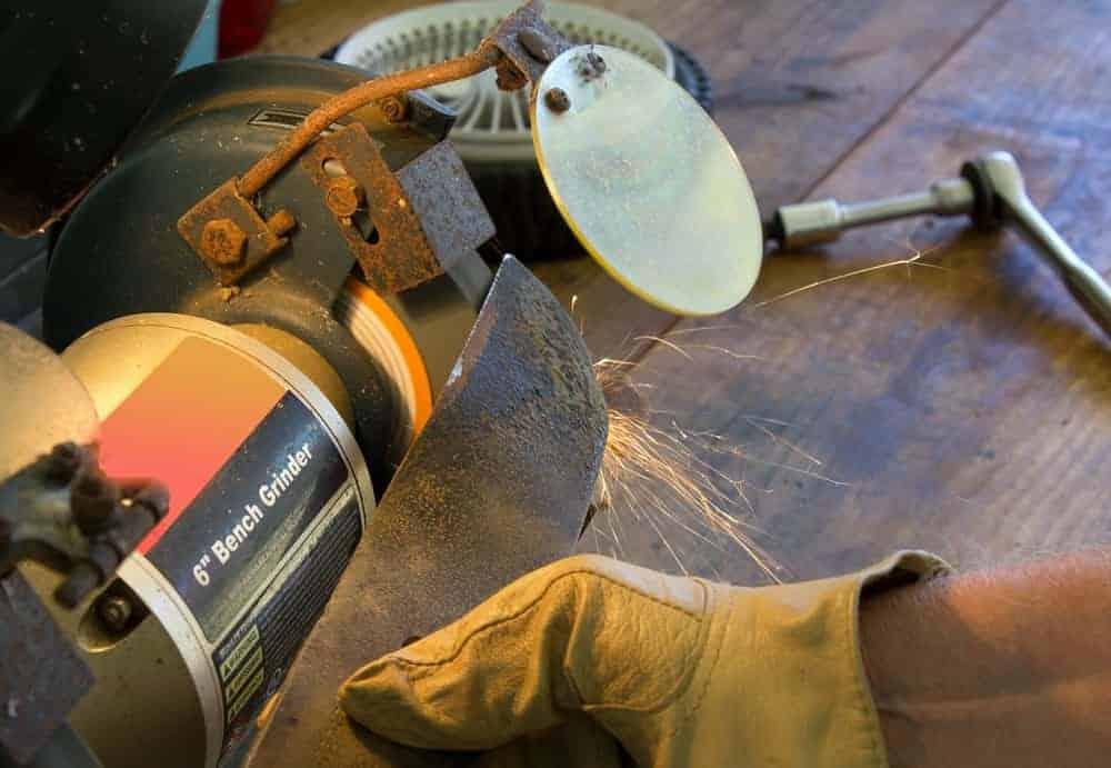 sharpening lawn mower blades with bench grinder