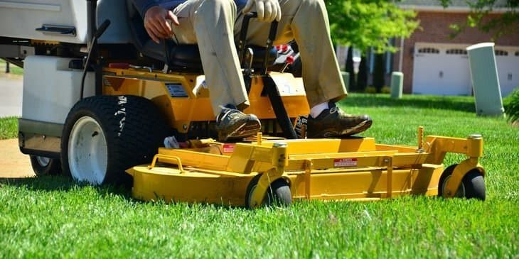 advantages of commercial zero turn mowers