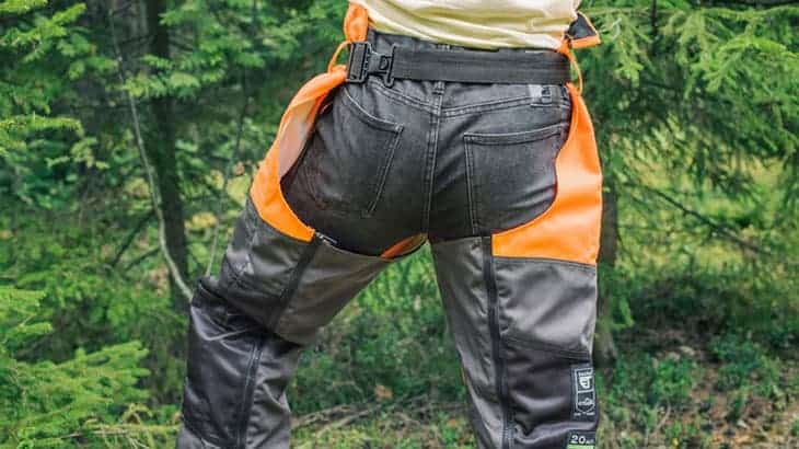 best chainsaw chaps reviews featured image